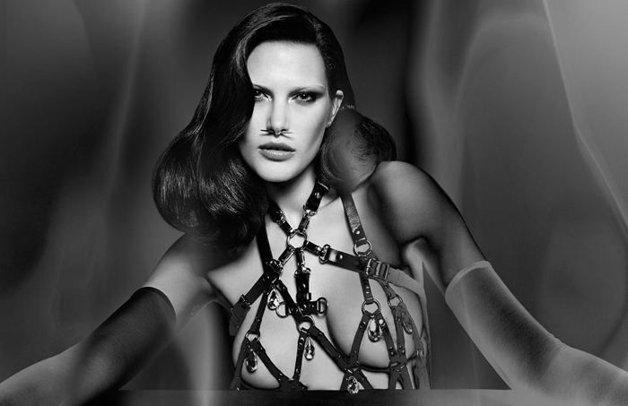 HELMUT_Beauty_010bw_b_R3_QC_RGB_LAYERED_flat_CHEM