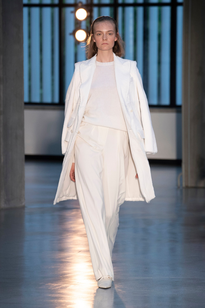 00010-max-mara-vogue-resort-2019-indigital